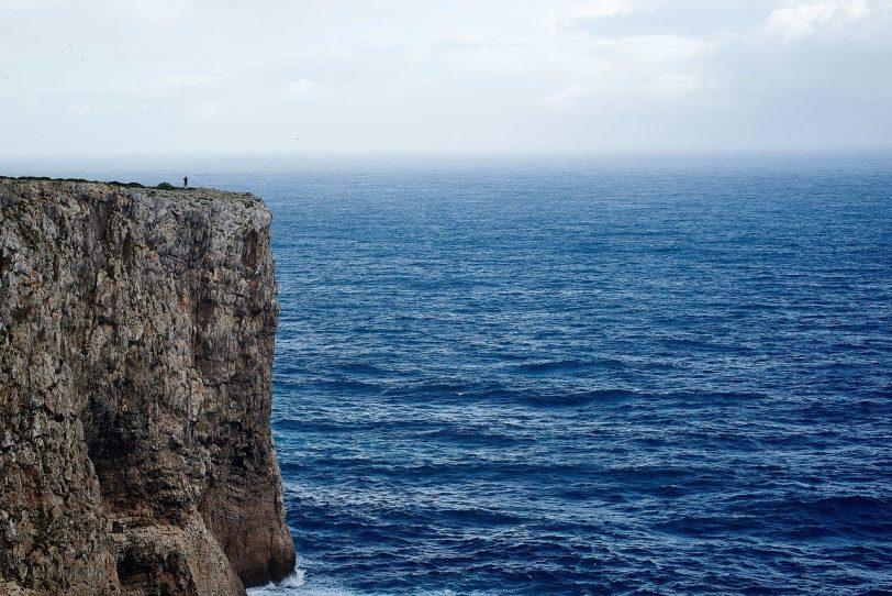 Picture of a cliff edge, representing recruitment suicide
