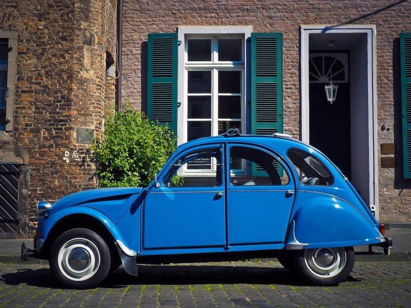 A picture of a Citroen 2 CV as a joke. We're talking about CVs i.e. resumes with lies.